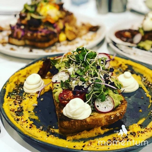 Brunch worth getting out of bed for. Savour the flavour of something special from @momentumcafekaringal. . . . #karingal #karingalhub #frankstonlocals #frankston #brunch #goodeats #byISPT