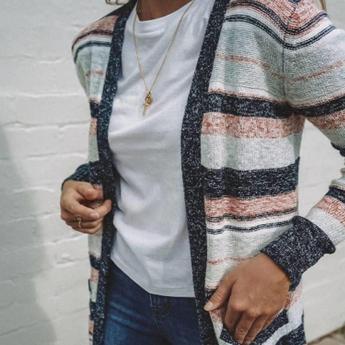A new season needs new styles and we're loving the effortless stripes and pop of colour of the Voilet cardi from @jeanswest. . . . #karingalhub #karingal #frankstonlocals #jeanswest #fashionblogger #ootd #byISPT